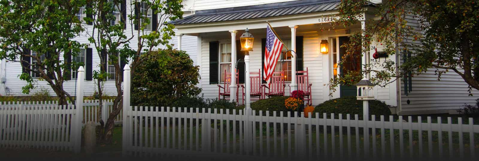 White House with picket fence